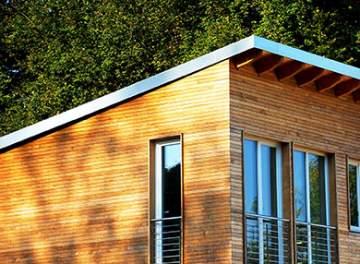VRAI ou FAUX ? La maison en bois brûle plus vite que le béton ou la brique